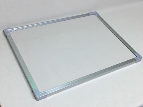ピン・マグネット兼用掲示板 アイボリー色 / タテ90cm x ヨコ180cm x 厚み2.5cm/重さ約15kg