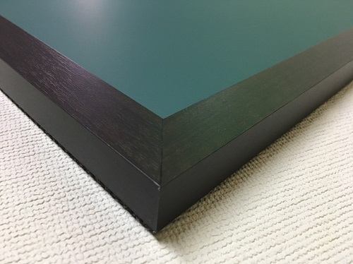 チョークボード(スチール製) 緑色(木目調枠付き) / (61cm〜90cm) x (121cm〜150cm) x 厚み2cm