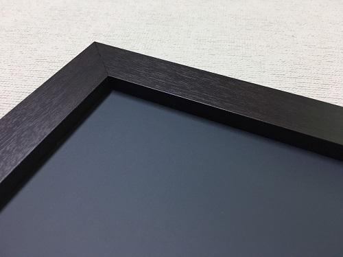 チョークボード(スチール製) 黒色(木目調枠付き)/ (30cm〜45cm) x (61cm〜90cm) x 厚み2cm