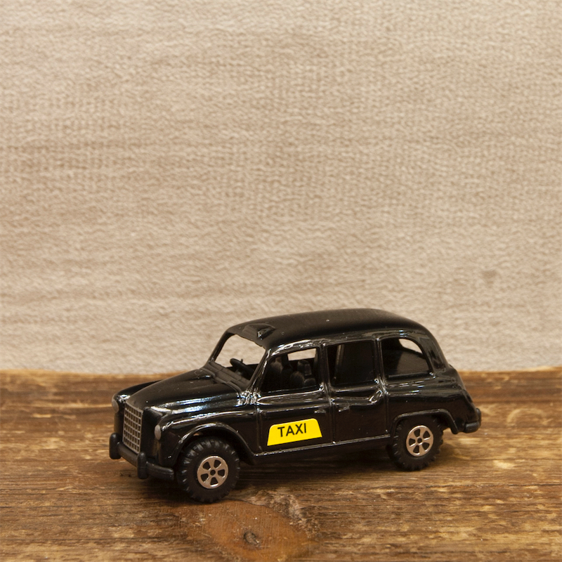【ミニチュア】アンティークシャープナー[ロンドンタクシー]鉛筆削り