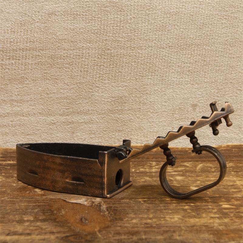 【ミニチュア】アンティークシャープナー[アイロン]鉛筆削り