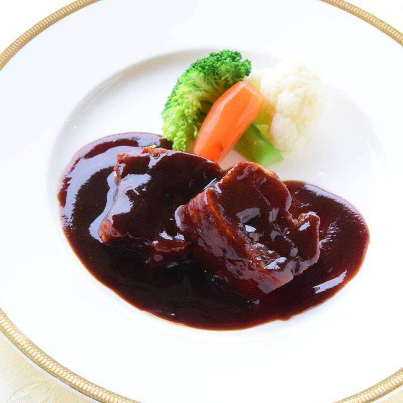 和牛バラ肉の特選ビーフシチュー