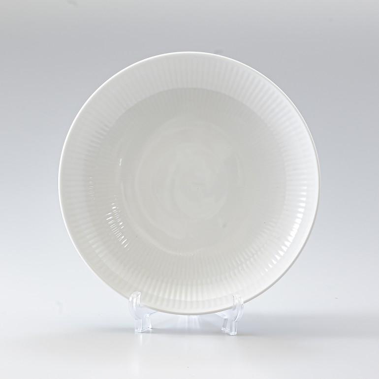 ロイヤルコペンハーゲン ホワイトフルーテッド モダン プレート 20cm 2408730(1016944) 名入れ可有料