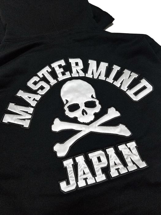 mastermind JAPAN マスターマインドジャパン パーカー 裏毛 レギュラーフィット アップリケ刺繍 ブラック MJ18E02-SW086-008