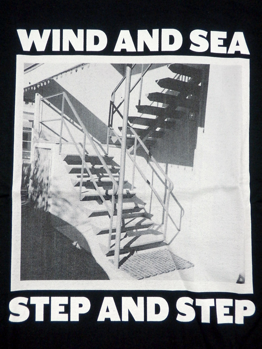 WIND AND SEA ウィンダンシー WDS (STEP AND STEP) PHOTO T-SHIRT Tシャツ ブラック WDS-20A-CS-06