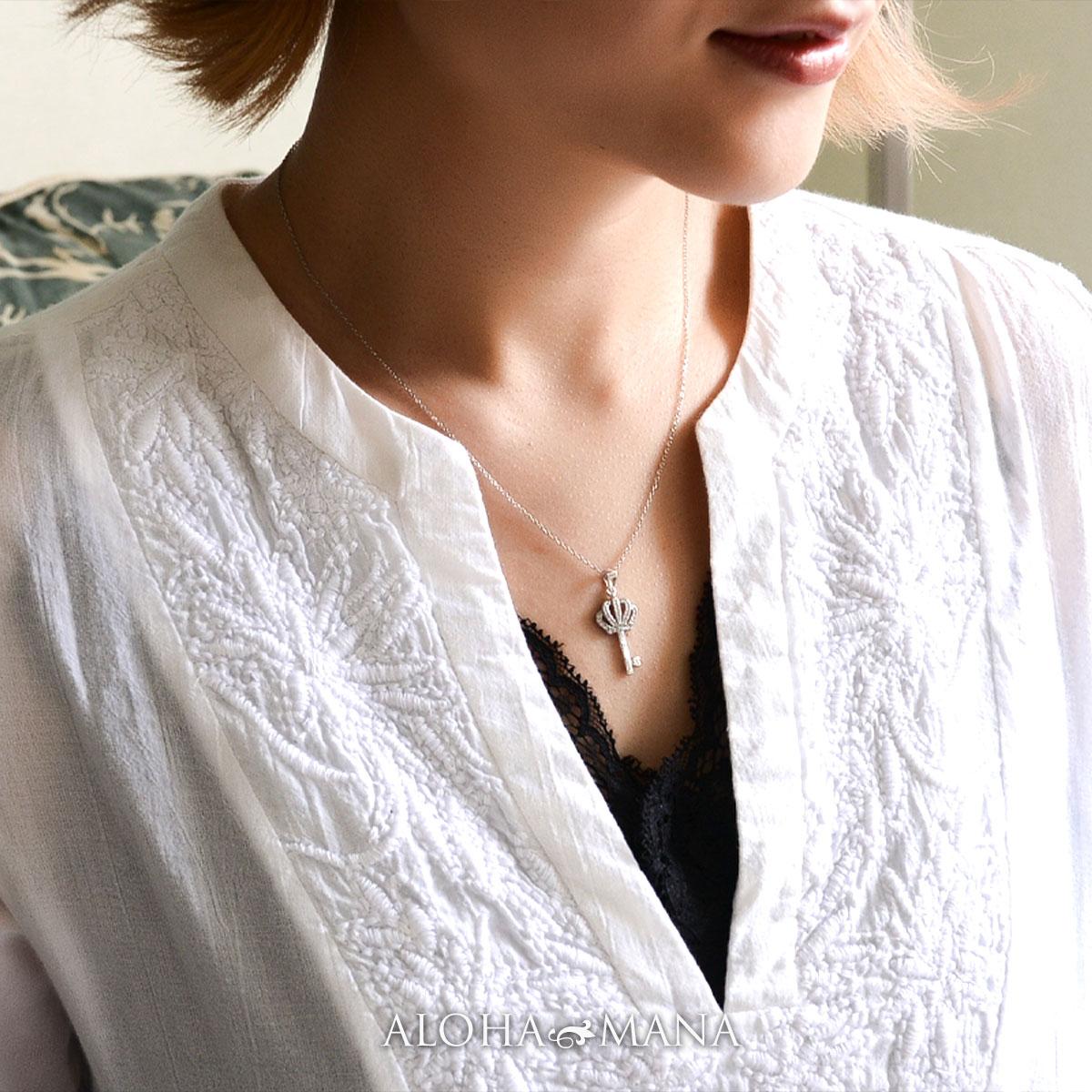 ハワイアンジュエリー ネックレス レディース クラウンキーチャーム ペンダント・ネックレス 手彫り チェーン付き シルバー925製 CZ キュービックジルコニア ペンダント ネックレス bpd1580 新作
