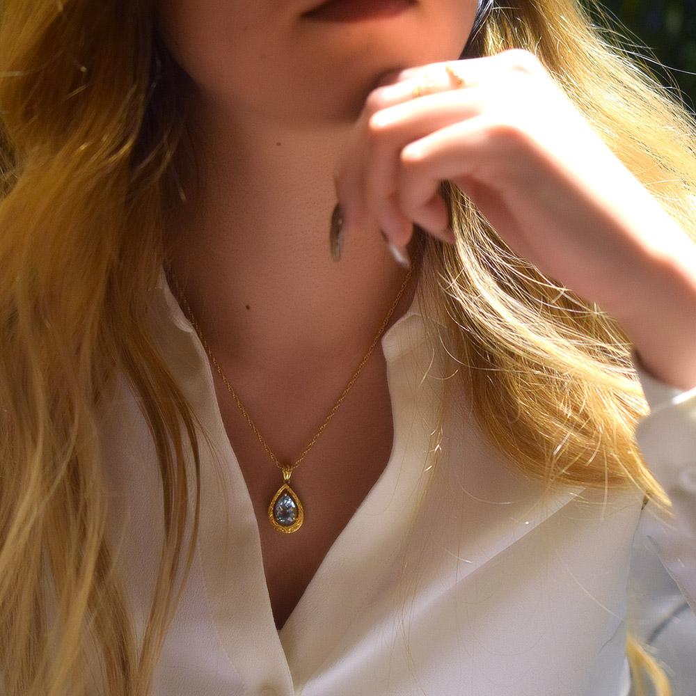ハワイアンジュエリー アクセサリー レディース 女性 (Weliana) K18 18金 ペアシェイプ アクアマリン トロピカルガーデンスクロールペンダントトップ (付属チェーンなし) wpd1443