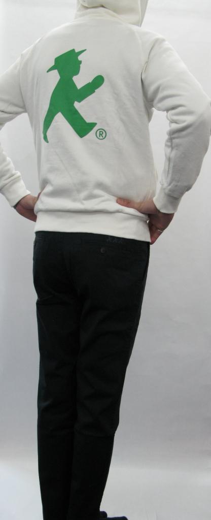 メンズパンツ /ネイビー ボタン:AMPELMANN BERLIN(茶) 後ろ:GO刺繍(青)