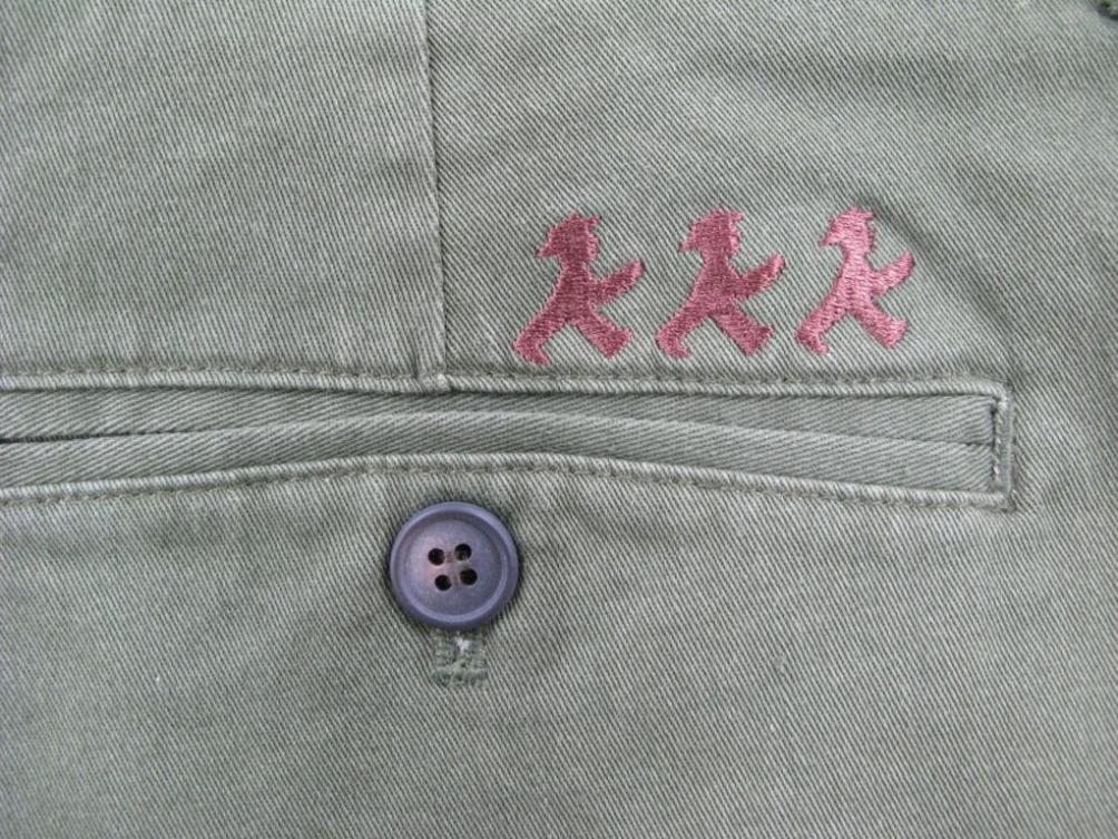 メンズパンツ /カーキ ボタン:AMPELMANN BERLIN(茶) 後ろ:GO刺繍