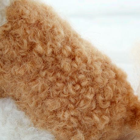 H440-005-523 リアル羊毛フェルト 植毛カール レッド