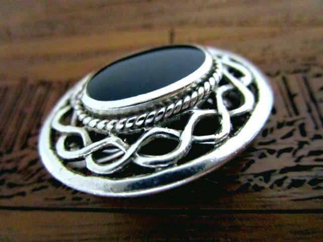 英国ビンテージ シルバー925 ブローチ ブラックストーン Celtic スコティッシュ ケルト ノット 純銀
