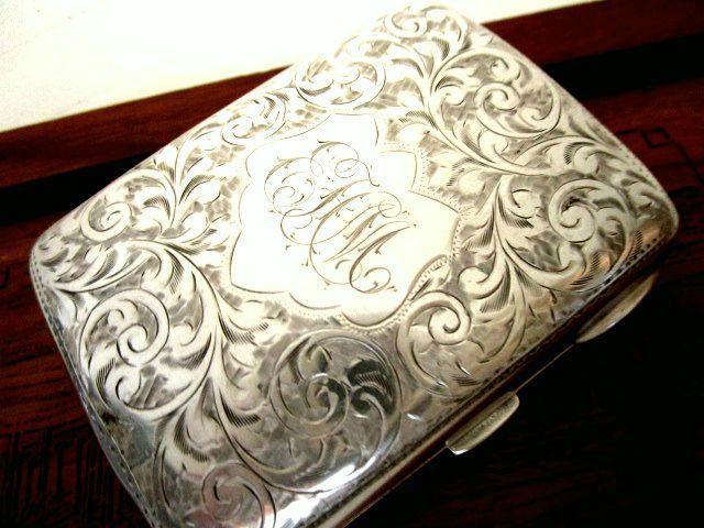 英国アンティーク シルバー シガレットケース 煙草 純銀 両面彫金 唐草模様 ATR NOUVEAU エドワード期バーミンガム1908年TB社製