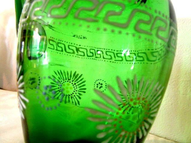 英国アンティーク グリーン ガラス 花瓶 ジャグ 花柄 エナメル装飾 ハンドペイント イギリス ビクトリアン後期