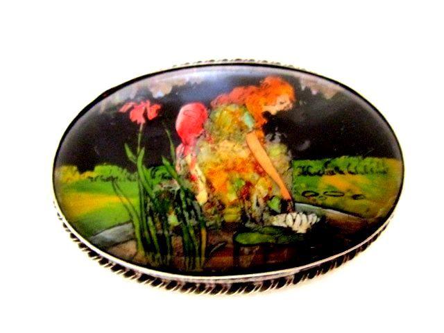 英国アンティーク バタフライウィング モルフォ蝶 庭と女性 アヤメ 純銀16.6g シルバーブローチ 幻想的1920s アールデコ イングランド