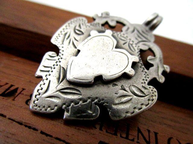 英国アンティーク 両面装飾 ハートフォブ ペンダント 懐中時計 チェーン 純銀 エドワード期 バーミンガム1902年 HB社製