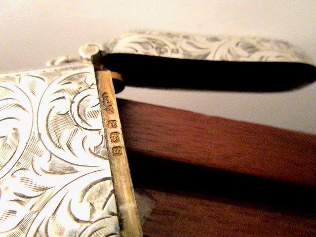 英国アンティーク シルバーヴェスタケース マッチ箱 唐草模様 大判33g 純銀 1917年 イギリス バーミンガム J.C.L社製