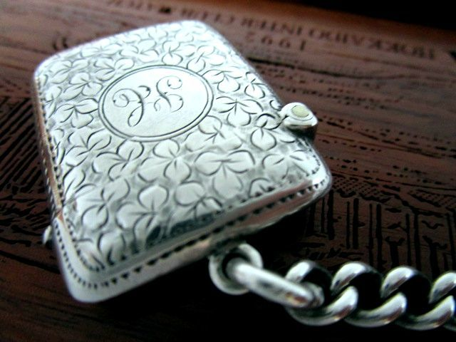 英国アンティーク シルバー ヴェスタケース/マッチ箱 懐中時計チェーン 純銀 イギリス ビクトリア期 バーミンガム1899年WW社製