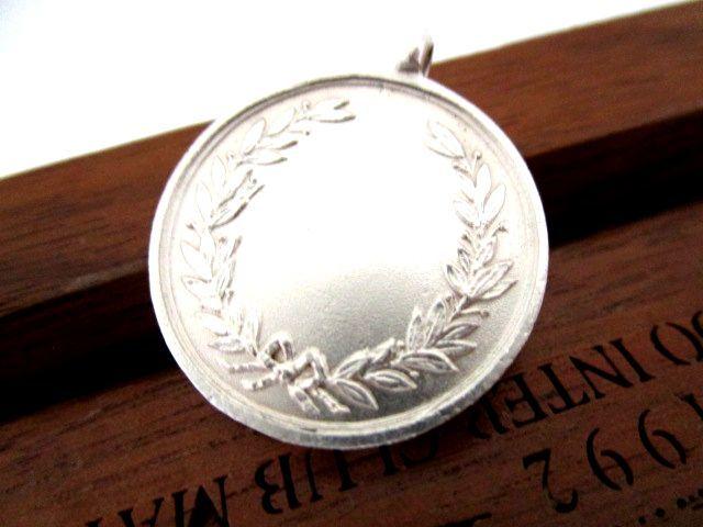 英国アンティーク メダル フォブ ペンダント 懐中時計 チェーン 純銀 ジョージ5世 バーミンガム1910年 WH社製