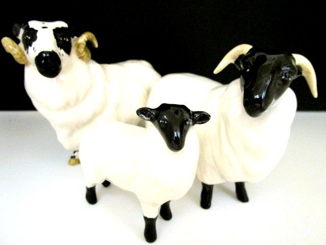 英国ビンテージ スコットランドの羊 ベスウィック/BESWICK/ROYAL DOULTON ロイヤルドルトン 置物 陶器 大2 小1 計3点