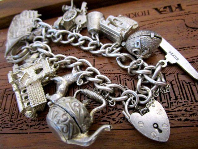 英国ビンテージ シルバーブレスレット 鍵付 チェーン チャーム13個 結婚式 指輪 船 オープンワーク 58g純銀バーミンガム1969年