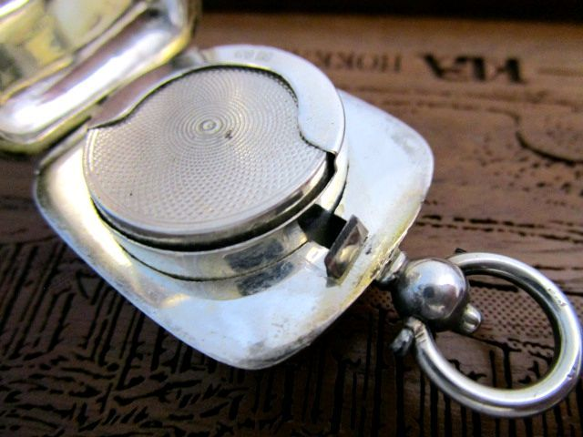 英国アンティーク シルバーソブリンケース コインホルダー 小銭入れ 両面装飾 純銀 エドワード期 バーミンガム1909年 GH社製
