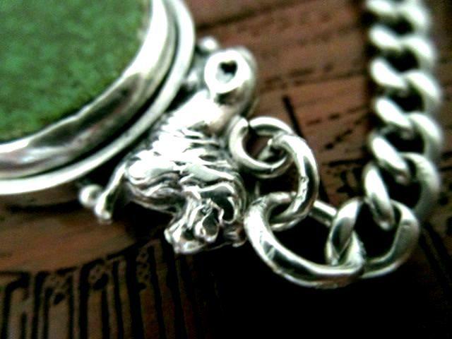 英国アンティーク シルバーライオン 鶯色 2色回転石付シールフォブ ダブルチェーン ネックレス 懐中時計 純銀53gビクトリア期1895年