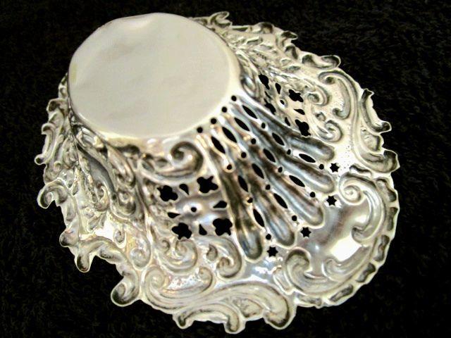 英国アンティーク シルバートリンケット/ボンボン/ナッツ ディッシュ 小皿 透かし文様 純銀 バーミンガム ビクトリア期1899年BJM社