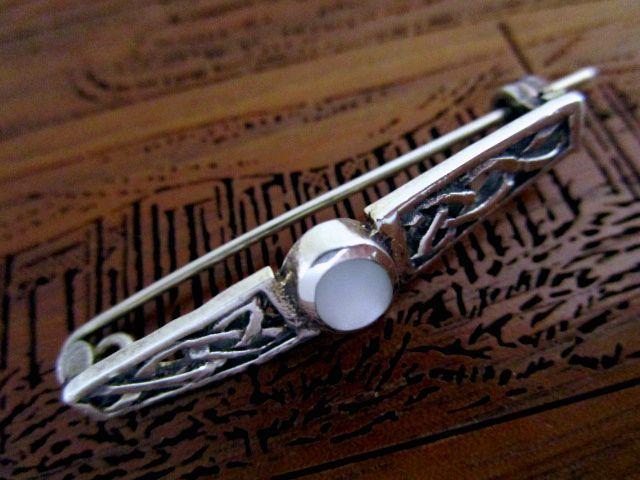 英国ビンテージ シルバー925 ムーンストーン ピンブローチ ケルトノット Celtic スコティッシュ 純銀