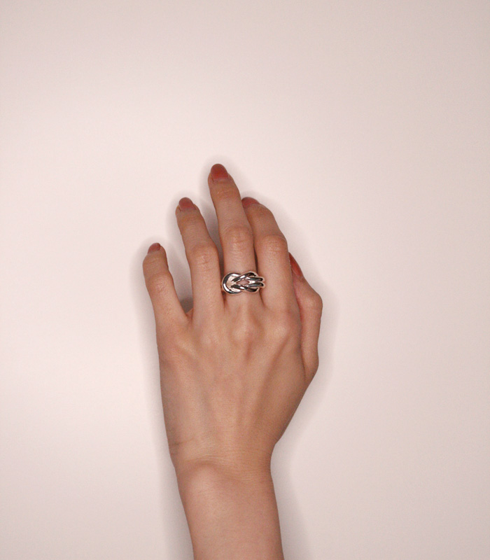 DECORATE Double Knot Ring