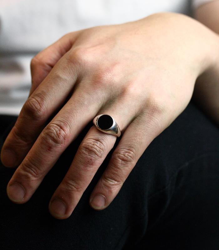 Onyx Plate Ring / Medium