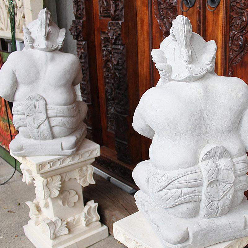 石像トゥワレン&ムルダ