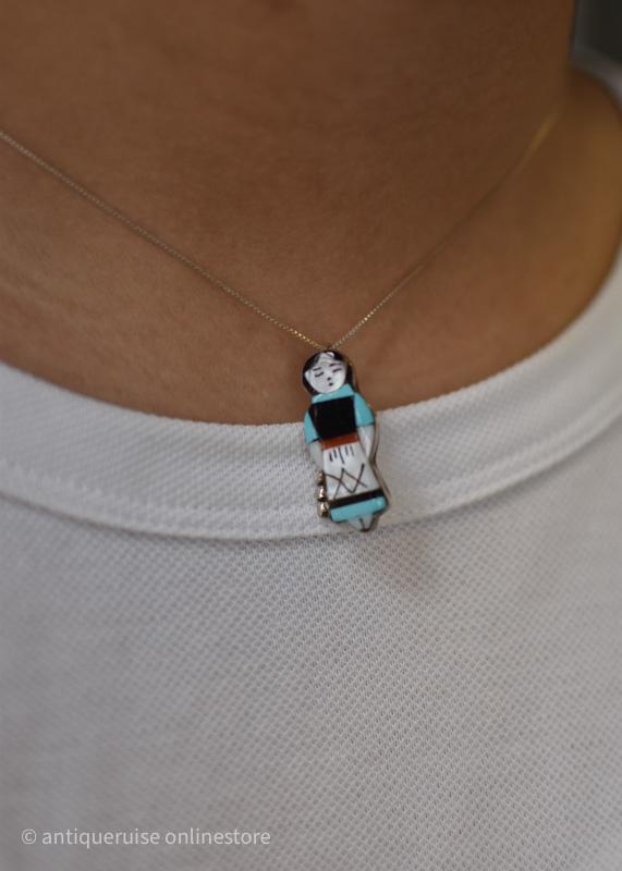 ズニ族ネックレス  zuni girl necklace