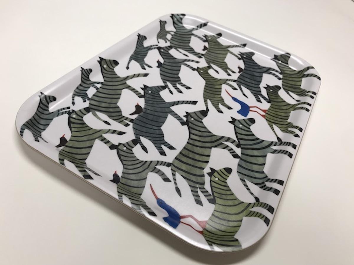 アグネータ・フロック 樺トレー Zebra デザイン:Agneta Flock