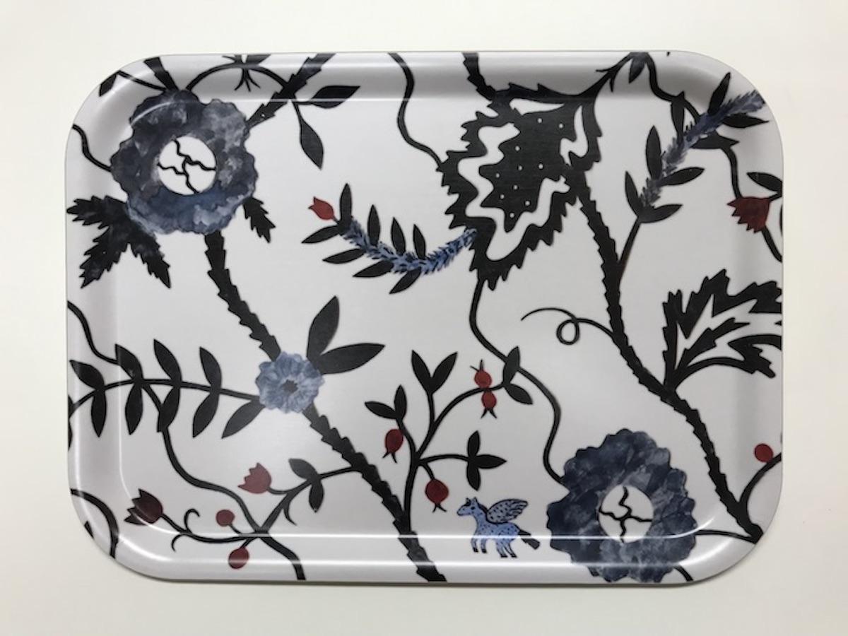 アグネータ・フロック 樺トレー Indigo Flowers デザイン:Agneta Flock