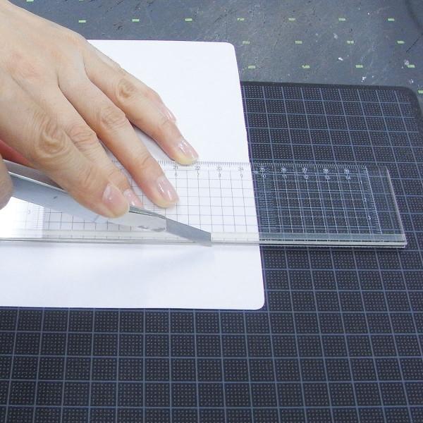 ウチダ(マービー) 方眼カッティング定規 15cm ポリマー樹脂製すべり止め付き 品番:014-0167