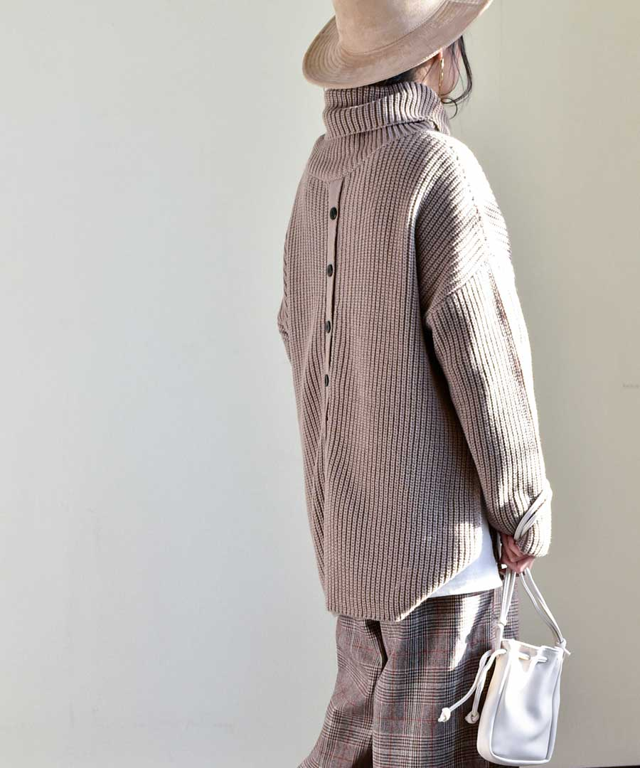 Back button turtleneck knit tops 25075 【宅急便配送のみ】