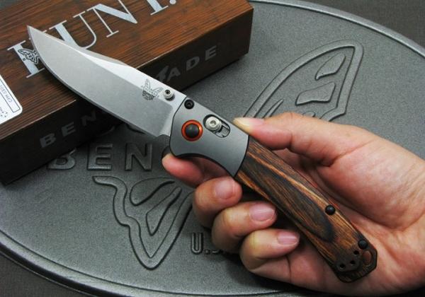 BENCHMADE/ベンチメイド #15085-2 ミニ クルックド リバー/ウッド 折り畳みナイフ