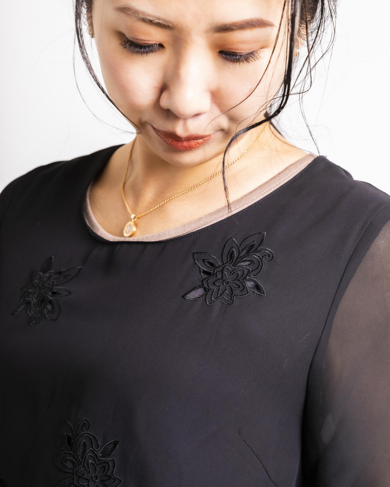 アルテソワ 軽やかシフォンカットワーク刺繍ブラウス
