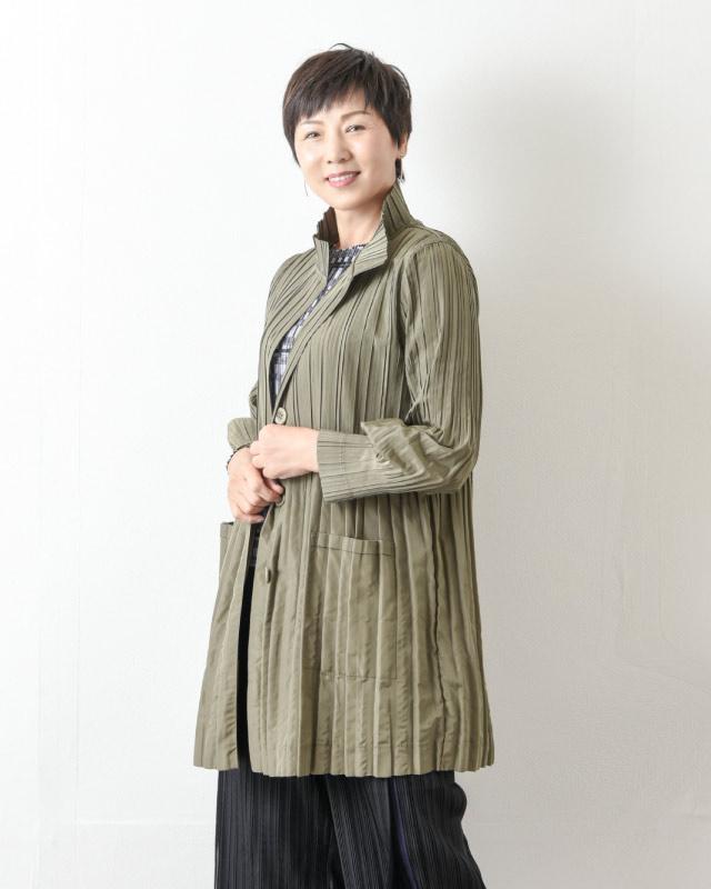 大人の綺麗めプリーツコート