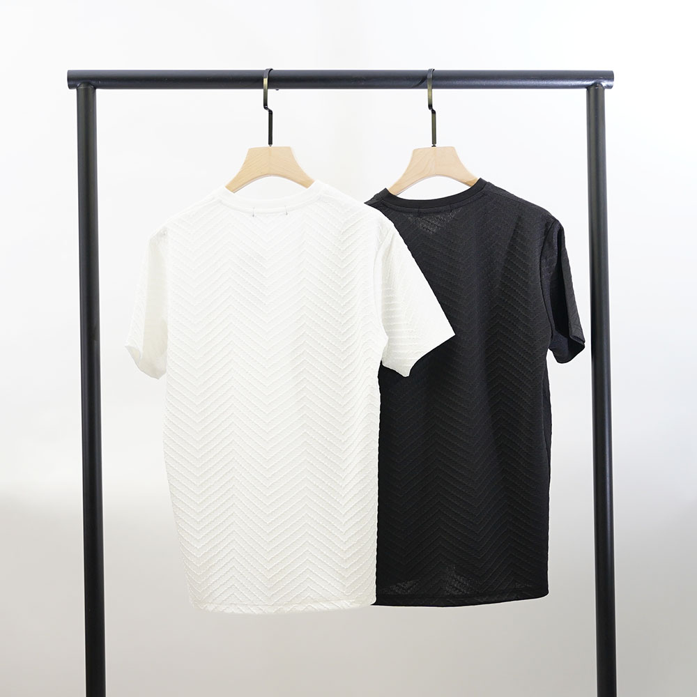 barbed wire Tシャツ