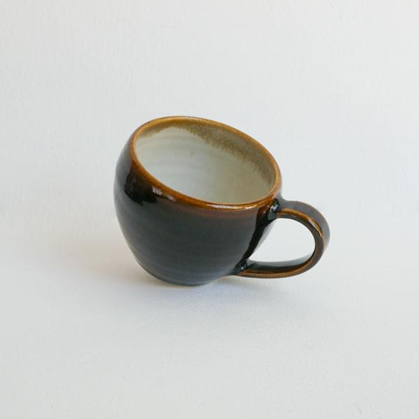 下嶽智美 マグカップ 飴釉