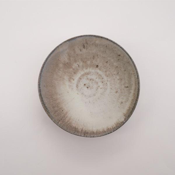 清岡幸道 灰白窯変粉引き平碗 Φ15cm