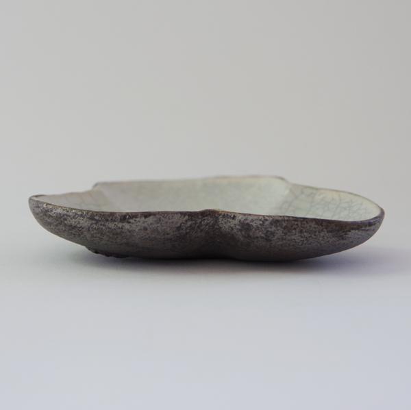 谷井直人 白×黒 花豆皿