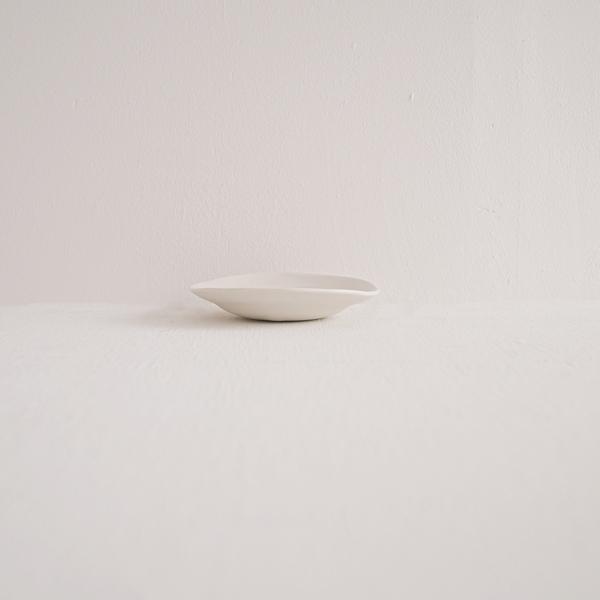 馬場勝文 白磁マットリム深豆皿 Φ10.5cm