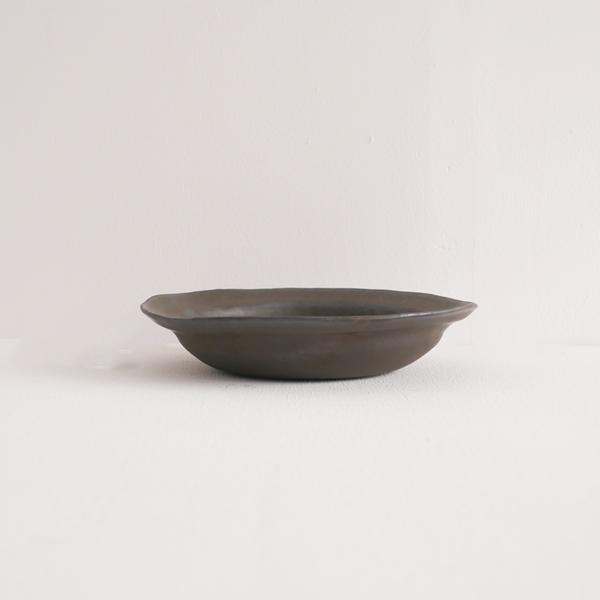 馬場勝文 黒釉5.5寸リム鉢 Φ18cm