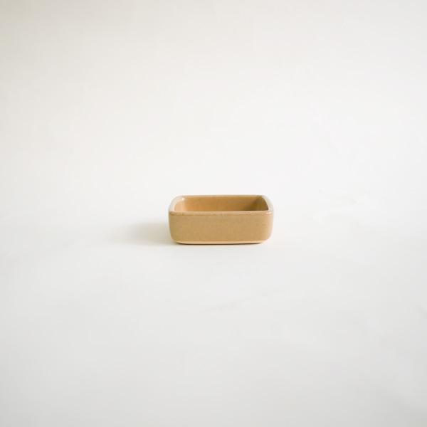 下嶽智美 角皿 特小 model:C 8×8cm