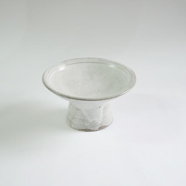 高木剛 粉引高台皿 大  model:A Φ19cm