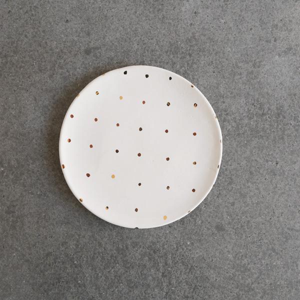 中囿義光 5寸皿  (白・金・ミニドット) Φ15cm