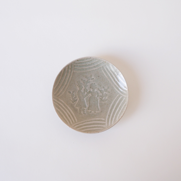 郡司庸久・慶子 型打ち皿4寸 人 model Y Φ12cm