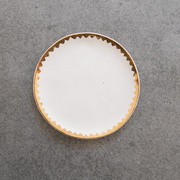 中囿義光 5寸皿  (白・金・ギザ) Φ15cm